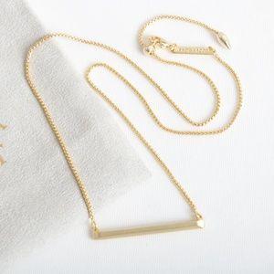 Kendra Scott Kelsey Pendant Necklace In Gold